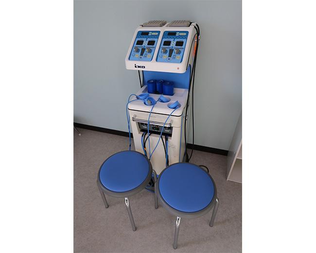 キセノン・低周波治療器